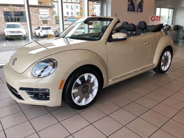 Volkswagen Beetle Convertible >> New 2019 Volkswagen Beetle Convertible 2 0t Final Edition Sel 2d