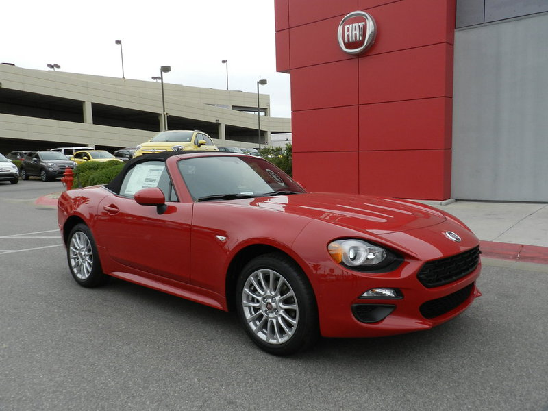 new 2017 fiat 124 spider classica convertible in henderson f0983 findlay auto group. Black Bedroom Furniture Sets. Home Design Ideas