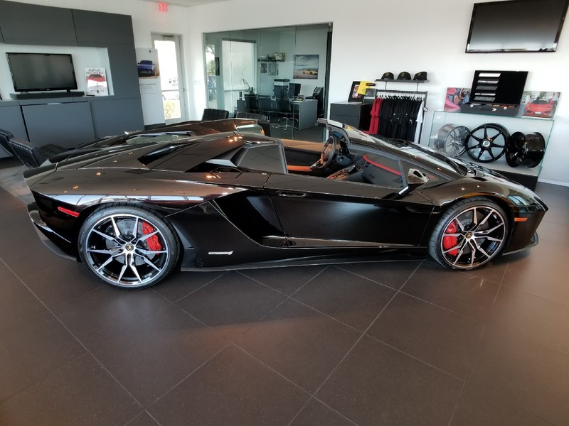 Pre Owned 2019 Lamborghini Aventador Convertible In Henderson